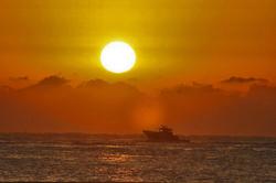 日の出 船.jpg
