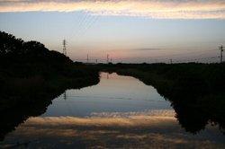 水辺夕焼け.jpg