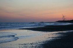 波と夕焼け.jpg