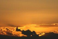 輝くく雲.jpg